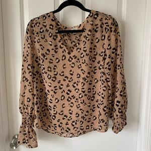 A new day leopard blouse v neck medium